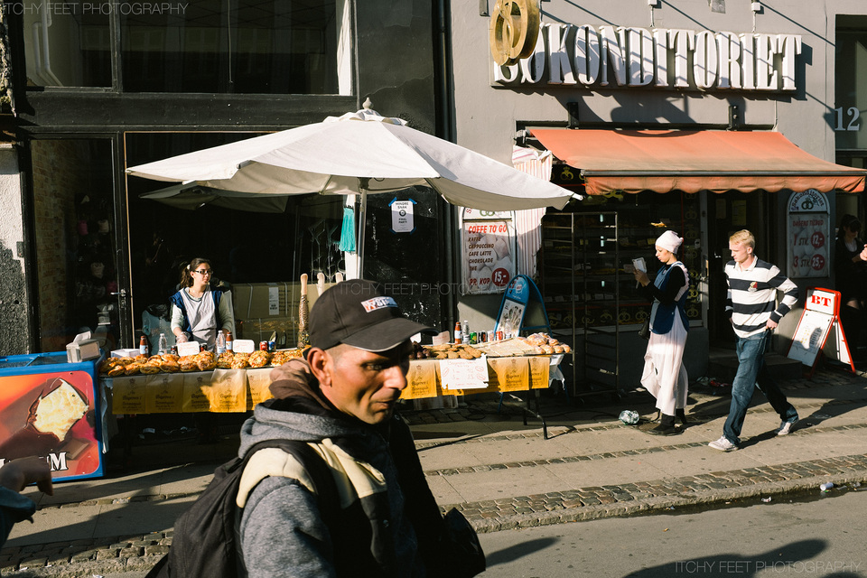Locals selling their produce from stalls outside. I think anyone in the fast food industry was doing very well on Nørrebro this evening.
